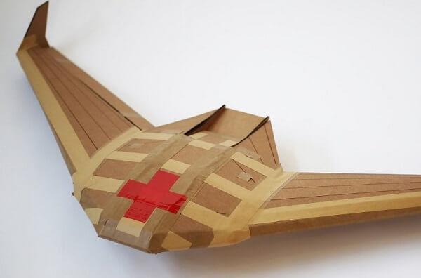 Dron de cartón para ayuda humanitaria