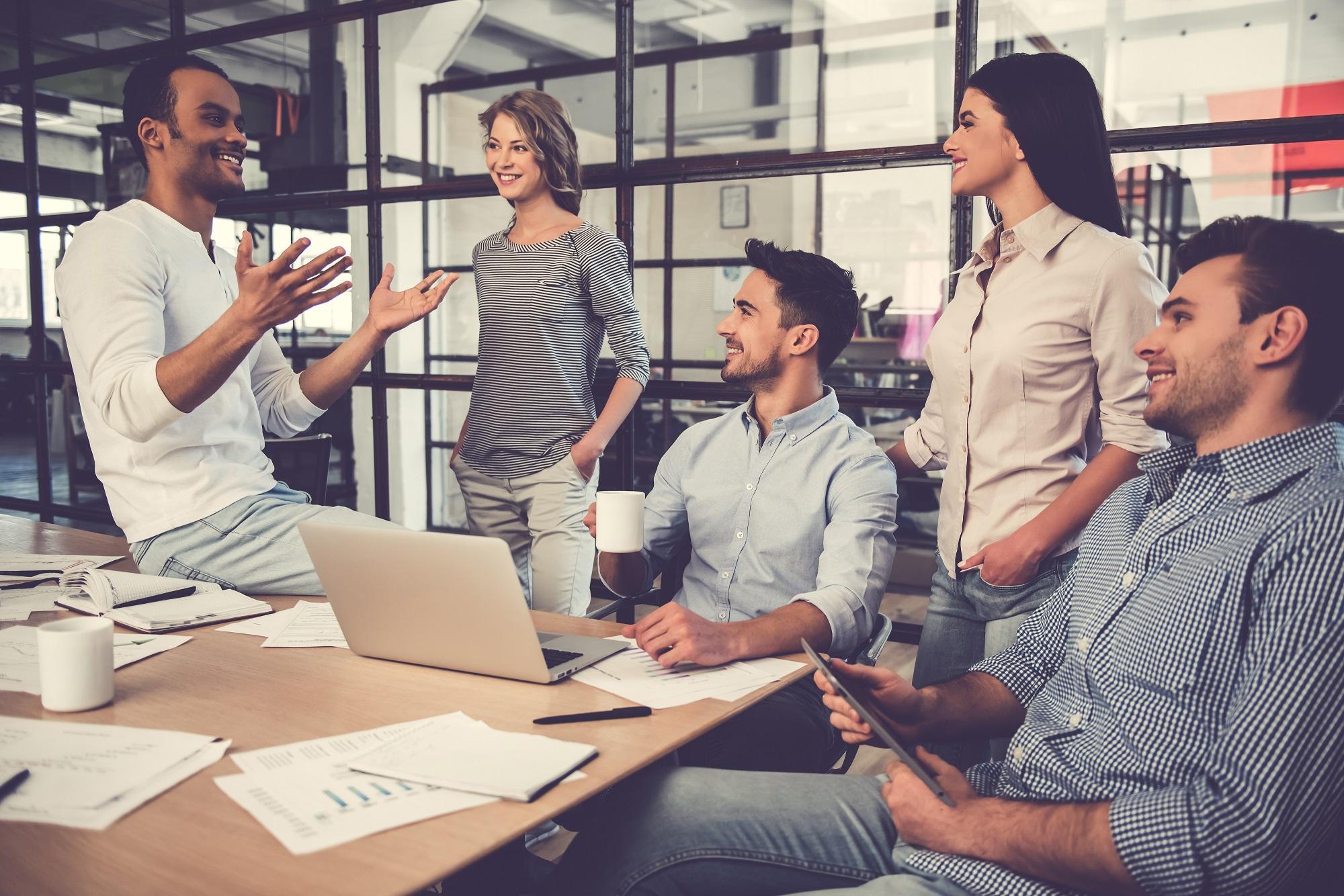 Profesionales del sector en reunión