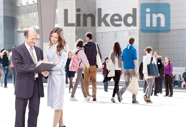 Linkedin es la red social más importante para poner en contacto seleccionadores y candidatos
