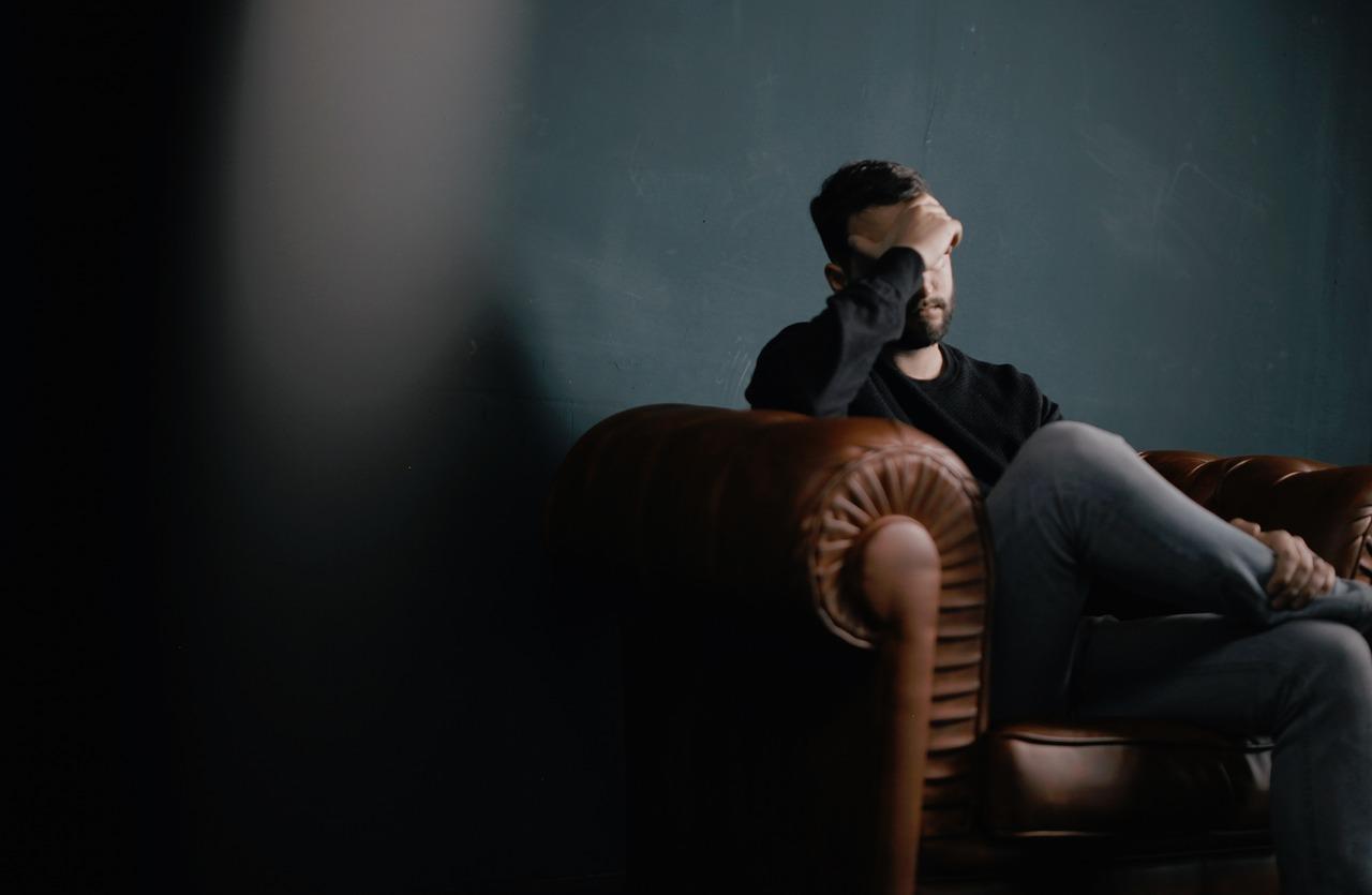 La depresión es una de las consecuencias del estrés laboral