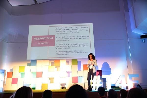 Eva Padilla en el congreso Trainers for the future hablando de Igualdad