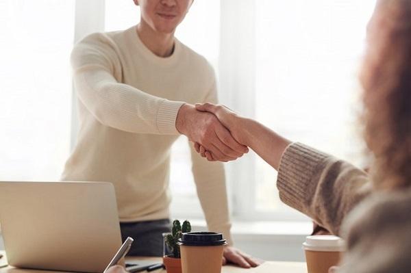 aceptando una oferta de trabajo después de enviar un cv digital