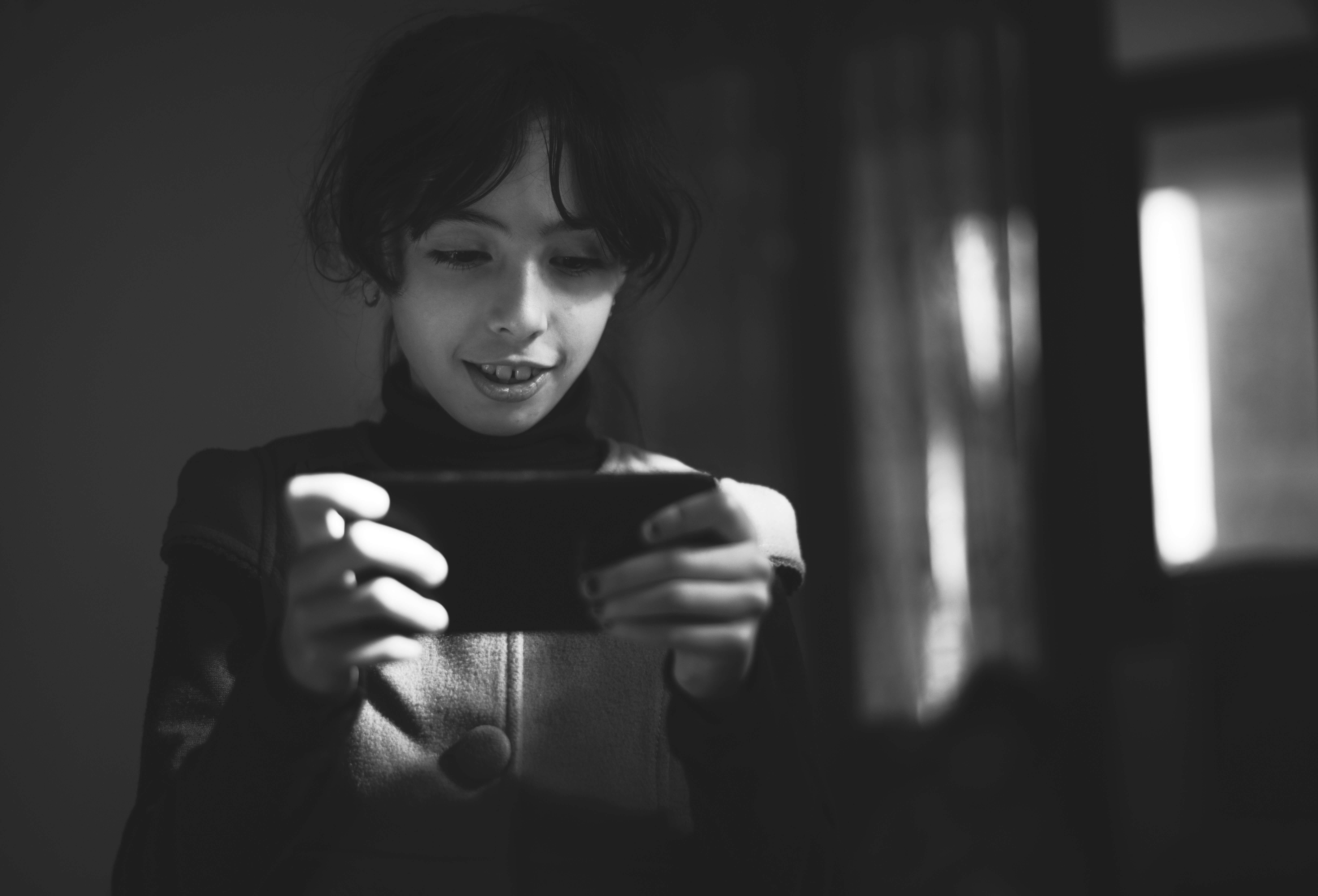 Alumna trabajando mobile learning