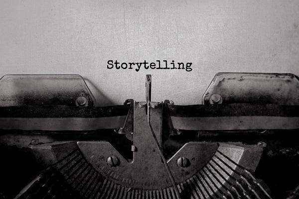 máquina de escribir que dice storytelling