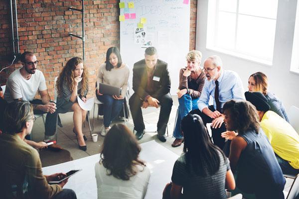comunicación efectiva en una reunión de equipo