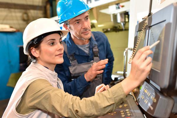 Trabajadores de una empresa adscrita al convenio del metal