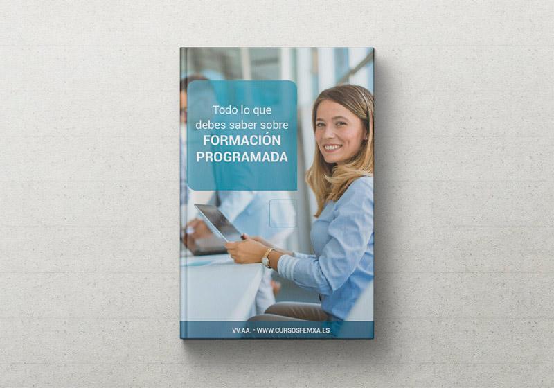 portada del libro electrónico gratuito sobre formación programada, se ve una chica rubia sonriente estudiando en un ipad