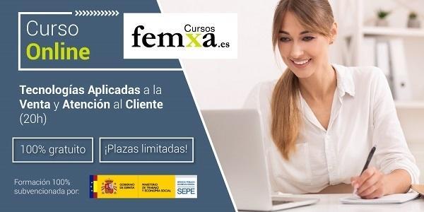 mujer joven realizando el curso online de tecnologías de venta