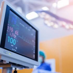 Auxiliar de enfermería en el servicio de urgencias, intervención - Murcia